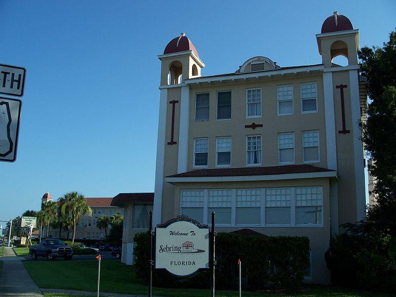 Sebring, Florida welcome sign