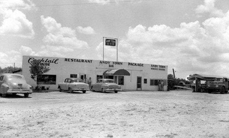 Cafe at Andytown, Florida