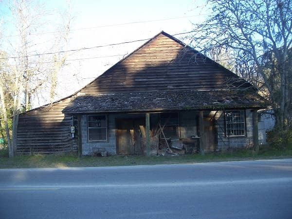 Old Building in Bristol, Florida