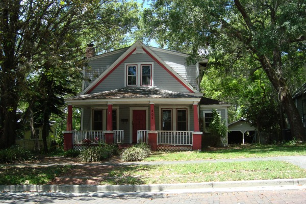 Florida historic homes comfort and tradition for Victorian homes for sale florida