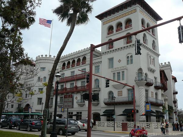 Cadillac Hotel Miami Beach