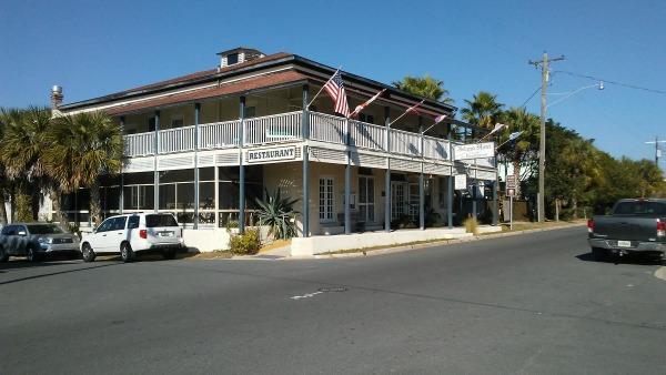 Cedar Key Island Hotel