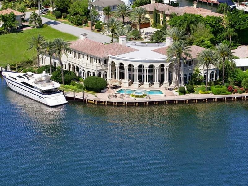 Home on the Intracoastal Waterway