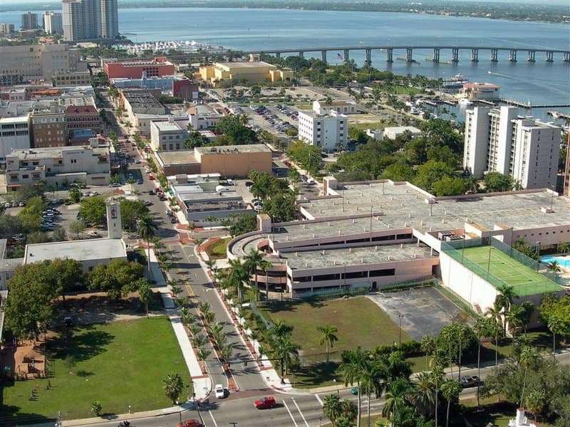 Fort Myers and the Caloosahatchee River