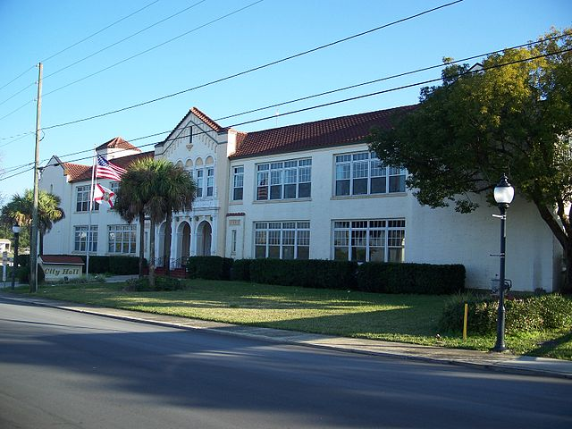Frostproof Florida City Hall