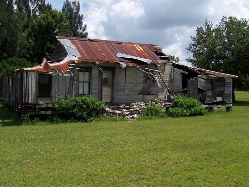 Crumbling Cracker House in Old Venus