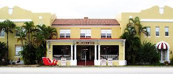 Seminole Inn in Indiantown
