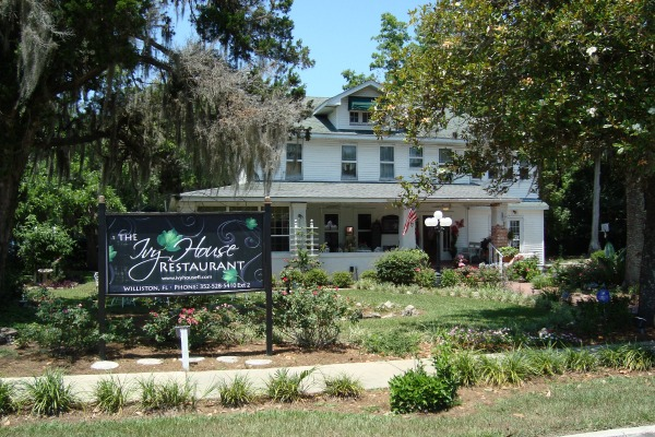The ivy house restaurant and boutique in williston florida for The ivy house