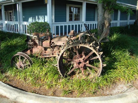 Okeechobee Florida old tractor
