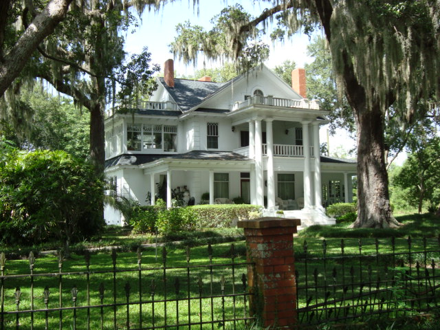 Old Southern Mansion Near Oakland Florida