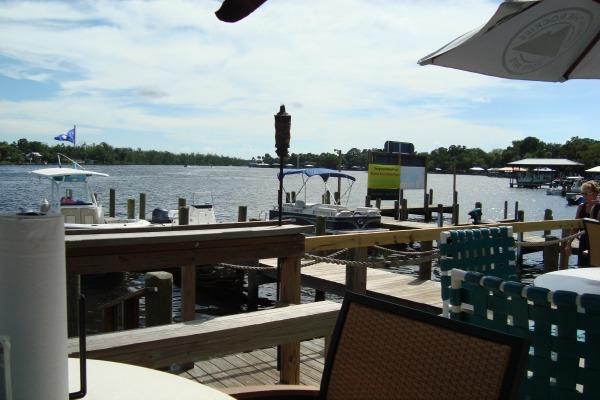 Dining on the Homosassa River