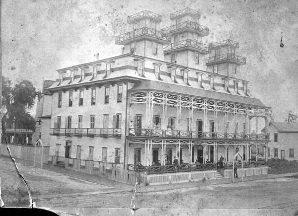 Tavares, Florida Peninsular Hotel