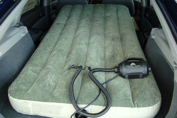 39 inch wide air mattress with pump